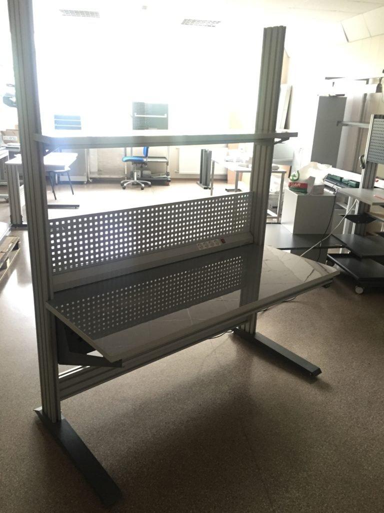 Специальный стол для электромонтажа